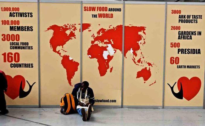 «Ας μην αφήσουμε τις πολυεθνικές να μαγειρεύουν για εμάς». Εμπρός για μια νέα ηθική στη γαστρονομία!