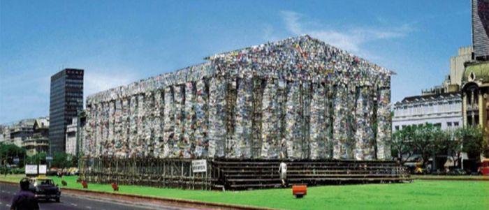 Ένας «Παρθενώνας» από 100.000 απαγορευμένα βιβλία
