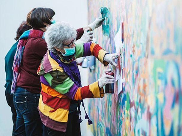 Συμμορίες γιαγιάδων που κάνουν γκράφιτι