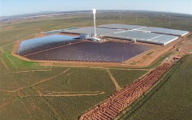 Θερμοκήπιο στην έρημο παράγει χιλιάδες τόνους λαχανικών μόνο με θαλασσινό νερό και ήλιο