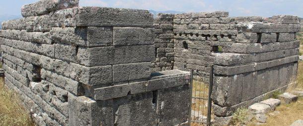 Όρραον: Η άγνωστη πέτρινη πόλη της Ηπείρου