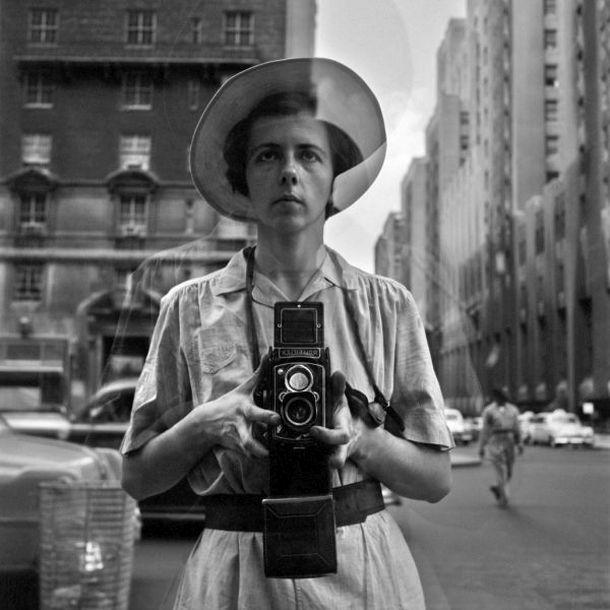 Μάγιερ – Άμποτ: Σε αναζήτηση του πάθους που ενώνει δυο γυναίκες φωτογράφους