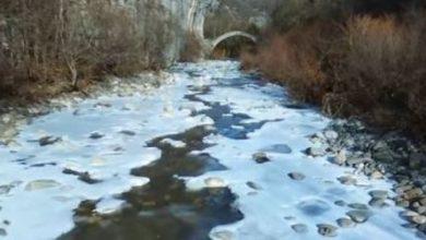 Βίντεο: Οι παγωμένοι παραπόταμοι του Βίκου στο Ζαγόρι