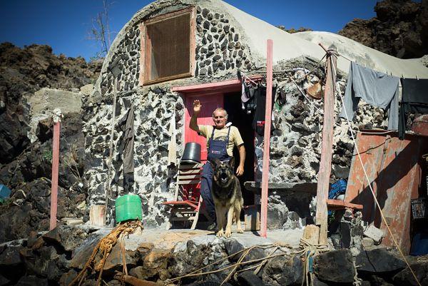 30 Χρόνια εξόριστος σε ένα έρημο νησί: Η ιστορία του Σώστη