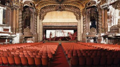 15 Eerily Beautiful Photos of Abandoned Movie Theaters