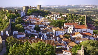 Óbidos: Η μικρή πόλη της Πορτογαλίας που έχει μεταμορφωθεί σε ατελείωτο βιβλιοπωλείο