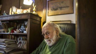 """Αποκλειστική συνέντευξη του Νάνου Βαλαωρίτη: «Στο """"1984"""" ο Οργουελ μιλάει για το 2017»"""
