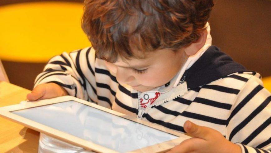Τα καλύτερα εκπαιδευτικά apps για να μάθουν τα παιδιά παίζοντας