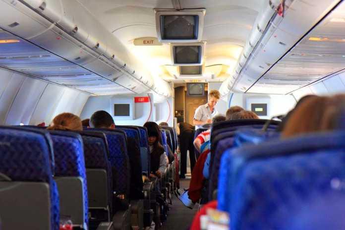 Χωρίς λάπτοπ και φωτογραφικές μηχανές στο αεροπλάνο