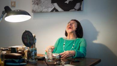 Kατερίνα Αγγελάκη Ρουκ: Η σπουδαία ποιήτρια σε μια πραγματεία για το χρόνο