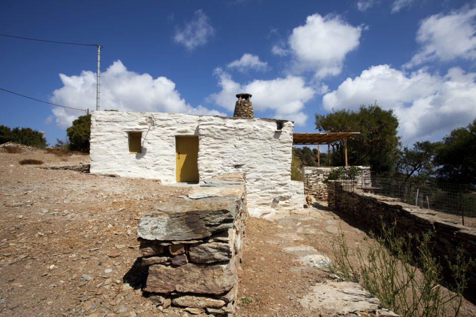 Ένας αρχιτέκτονας δίνει νέα ζωή σε αγροτικά και κτηνοτροφικά κτίσματα