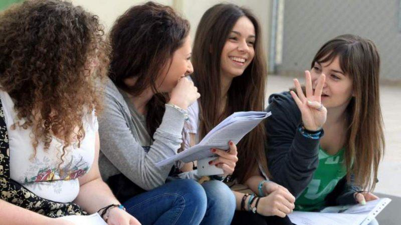 Οι μαθητές στην Ελλάδα μαθαίνουν δύο και παραπάνω ξένες γλώσσες