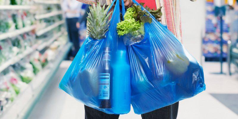Από την 1η Ιανουαρίου το περιβαλλοντικό τέλος για τις λεπτές πλαστικές σακούλες στα 3 λεπτά