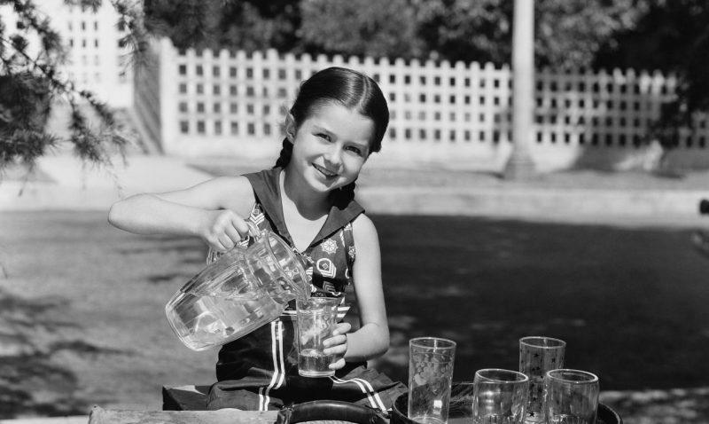 Πόσο πλαστικό περιέχει το νερό που πίνουμε;