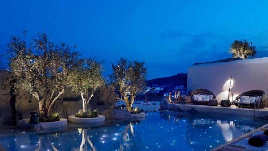 Η Telegraph «βουτάει» στις ωραιότερες πισίνες των ελληνικών νησιών