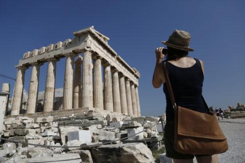 Nέο ρεκόρ στις τουριστικές αφίξεις για την Ελλάδα το φετινό καλοκαίρι