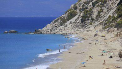 Γαλάζιες σημαίες: 9 παραλίες της Λευκάδας στις πιο καθαρές παραλίες για το 2018