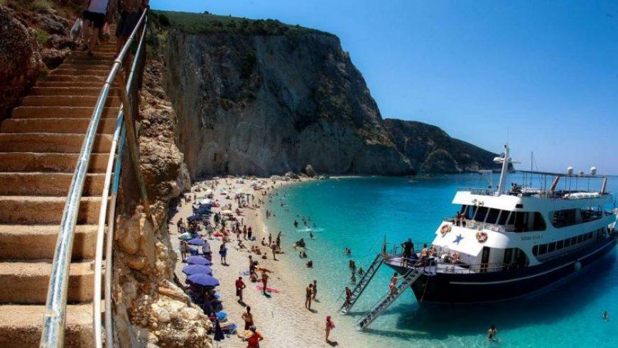 Το Paris Match διάλεξε τις 10 καλύτερες ελληνικές παραλίες
