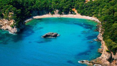 Αλωνάκι και Σαρακήνικο μέσα στις 10 αξιοζήλευτες παραλίες στην ηπειρωτική Ελλάδα