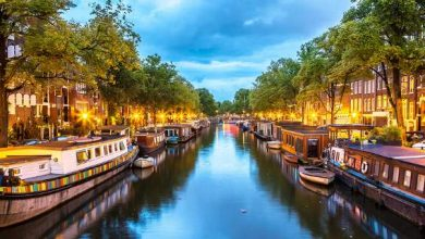 Το Άμστερνταμ βάζει τους τουρίστες να μαζεύουν πλαστικά από τα κανάλια!