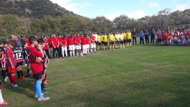 Πραγματοποιήθηκαν τα εγκαίνια για τον νέο χλοοτάπητα στο γήπεδο Νυδριού