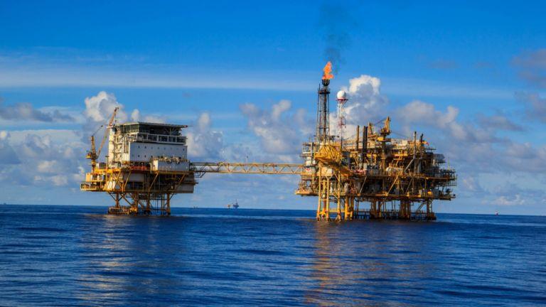 Πετρέλαιο και στο Ιόνιο: Πέφτουν οι υπογραφές για γεωτρήσεις