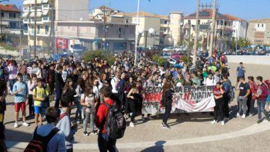 Κινητοποίηση μαθητών Λευκάδας για να φύγει η χωματερή δίπλα από τα σχολεία τους