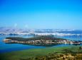 Νησί Ιωαννίνων, μνήμες και μνημεία