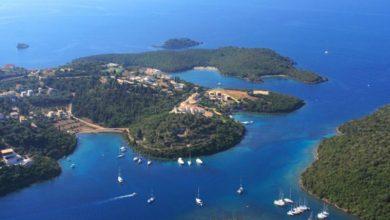 Στο επίκεντρο του τουριστικού ενδιαφέροντος βρίσκονται οι ακτές του Ιονίου