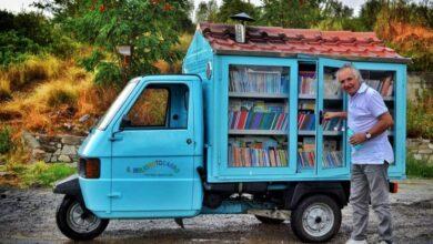 Η γλυκιά ιστορία πίσω από τη μικρότερη, ταξιδιάρικη βιβλιοθήκη της Ιταλίας
