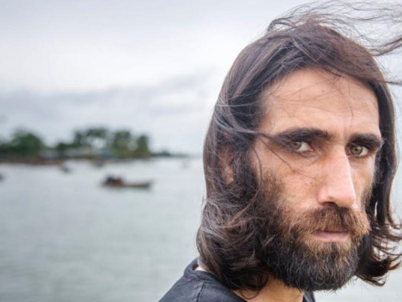 Πρόσφυγας κέρδισε το βραβείο λογοτεχνίας στη χώρα που τον έδιωξε