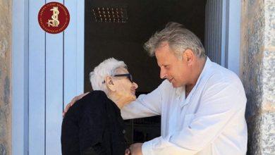 Ο σπλαχνικός Σαμαρείτης της Μάνης είναι ο Καλύτερος Γιατρός της Ευρώπης