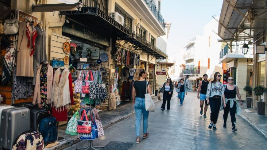 This is Athens with a Local: Θα ήθελες να συστήσεις τις αγαπημένες σου πλευρές της πόλη στους επισκέπτες της;