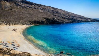 Στη Σέριφο η πρώτη ελληνική παραλία όπου απαγορεύτηκε το κάπνισμα