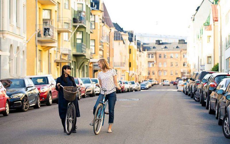 Νοικιάστε έναν Φινλανδό οδηγό ευτυχίας και ξεναγό
