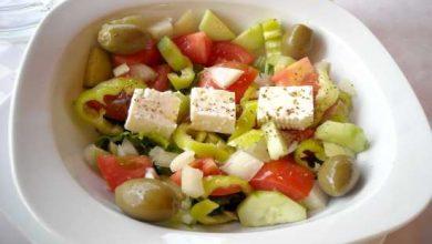 FAZ: Ωδή στην «Greek Salat»