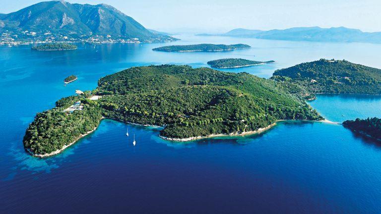 Ελληνικά ιδιόκτητα νησιά : Οι ιστορικές δυναστείες και τα ησυχαστήριά τους σε Ιόνιο και Αιγαίο