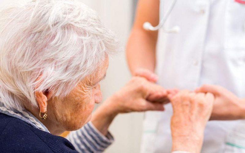 Πρωτοπόροι του Johns Hopkins «μεταφράζουν» την έρευνα για το Alzheimer στην Ελλάδα