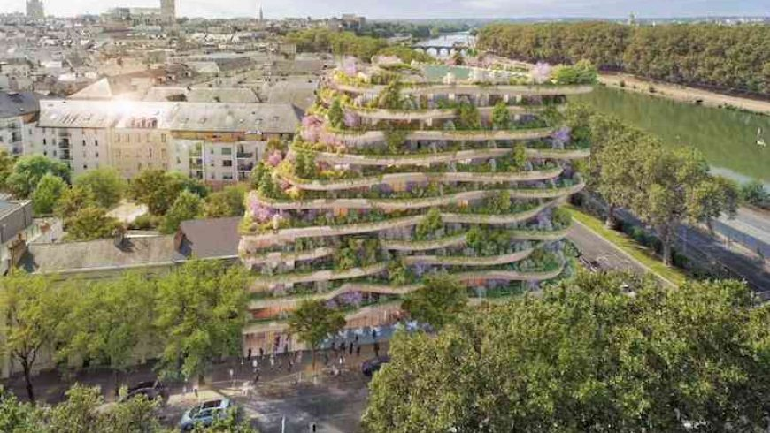 Stunning vertical forest brings city dwellers closer to nature