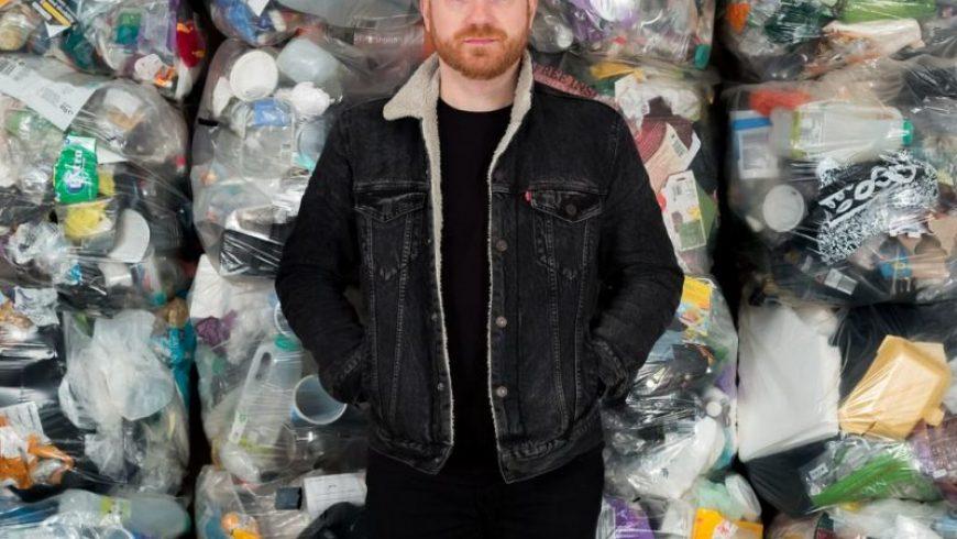 «Κράτησα τα πλαστικά μου απόβλητα στο σπίτι για να μην επιβαρύνω το περιβάλλον. Τώρα είναι η σειρά σου»