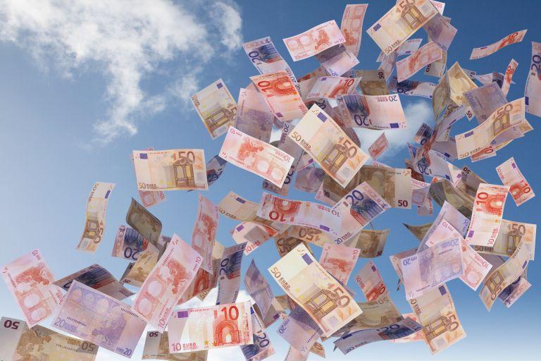 Κοινωνικό μέρισμα: Σε 200.000 νοικοκυριά εορταστικός «μποναμάς» από 500 έως 1.000 ευρώ
