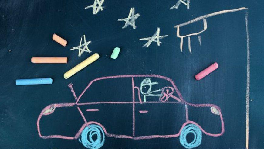 Τα παιδιά «εξετάζουν» τους γονείς τους στο τιμόνι