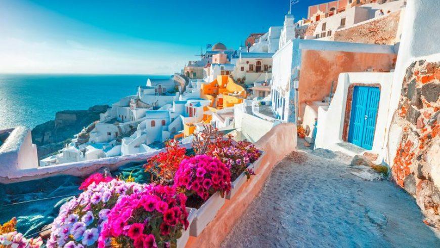 Αυστριακή εφημερίδα: Ακμάζει ο τουρισμός της Ελλάδας