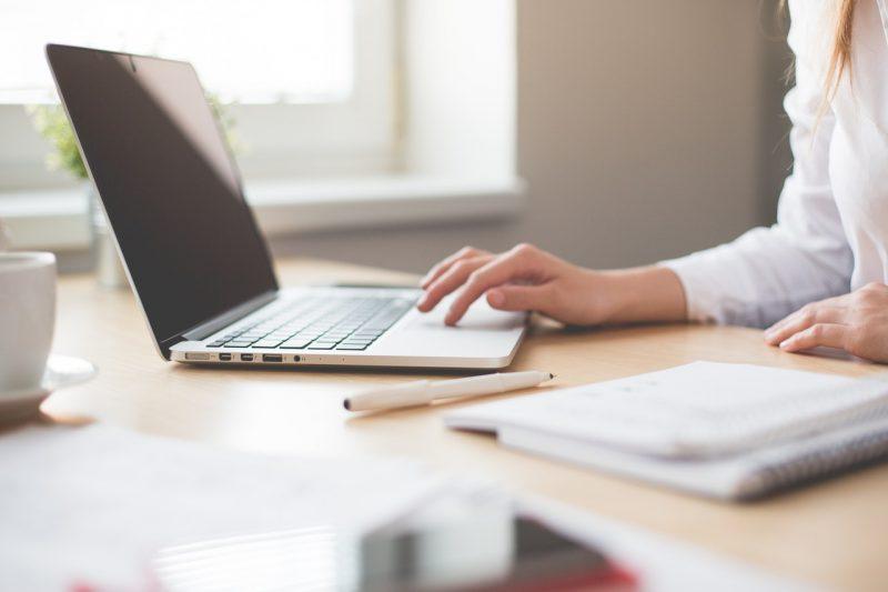 Συνεχίζονται οι αιτήσεις για τα Δωρεάν μαθήματα Ηλεκτρονικών Υπολογιστών από την Equal Society