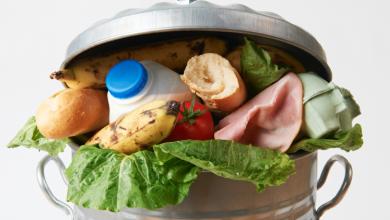 Ο μέσος άνθρωπος στη Γη πετάει φαγητό 527 θερμίδων τη μέρα