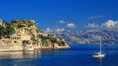 Daily Mail: Ελπίδα για διακοπές χωρίς 14ήμερη καραντίνα στην Ελλάδα!