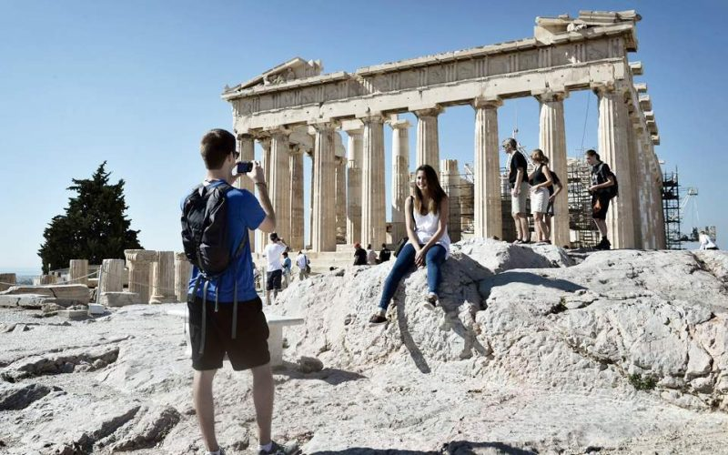 To σχέδιο της κυβέρνησης για την στήριξη και επανεκκίνηση του τουρισμού