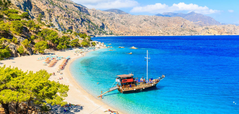 Κοινωνικός τουρισμός 2020: Περισσότερες ημέρες διακοπών και επιδότηση στα εισιτήρια πλοίων