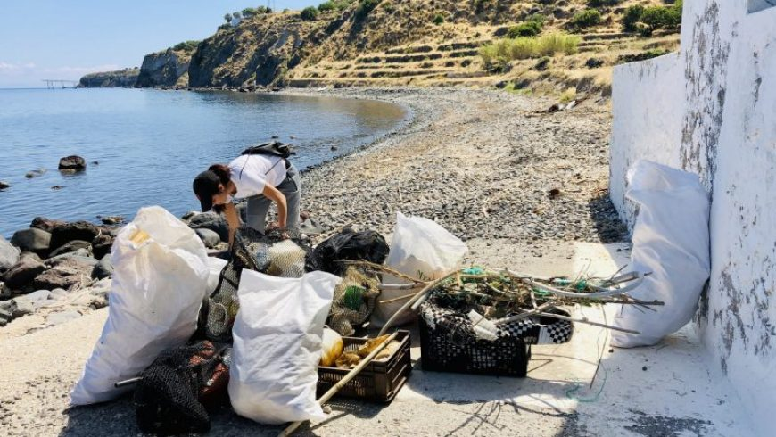 Στη Νίσυρο τα πλαστικά σκουπίδια μετατρέπονται σε πρώτη ύλη