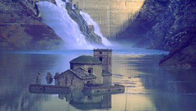 Φάμπρικα ντι Καρέτζινε: Το απόκοσμο χωριό της Ιταλίας που αναδύεται κάθε δέκα χρόνια